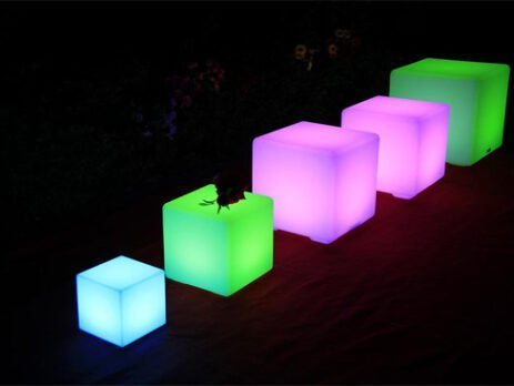 Usage of LED cubes in different sizes