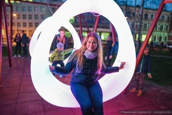 LED illuminated swing