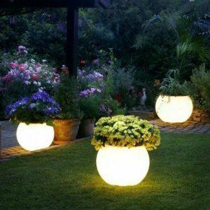 Lighting flower pots